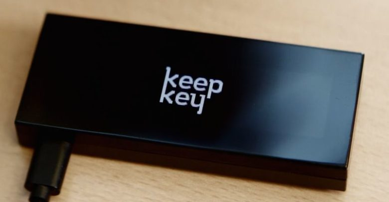 KeepKey 780x405 - بررسی کیف پول سخت افزاری KeepKey
